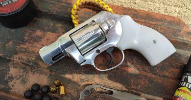 """Keserű Pitbull-19M (""""SzuperPitbull"""") gumilövedékes gázrevolver"""